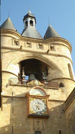 Grosse Cloche de Bordeaux: Zoom