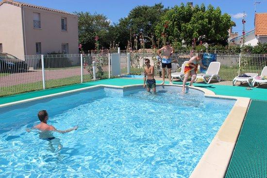 Residence Les Tremieres: la piscine