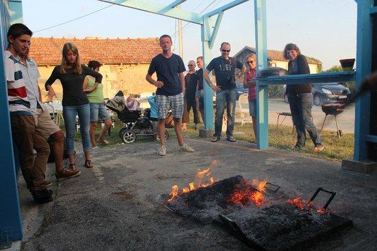 Residence Les Tremieres: durant l'éclade de moules