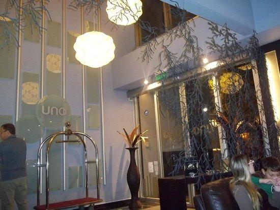 Uno Buenos Aires Suites: entrada do hotel