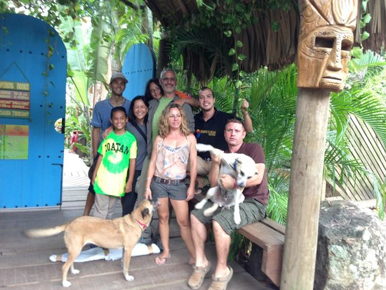 Tranquilseas Eco Lodge and Dive Center: Saying goodbye to our new friends!