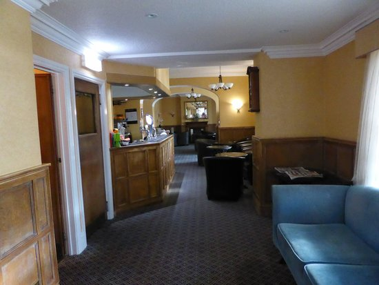 Melbreak Country House Hotel: The bar area  L Noble Aug 14