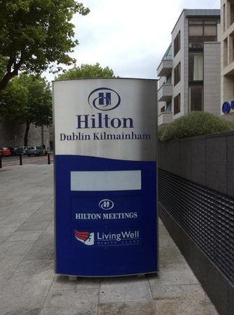 Hilton Dublin Kilmainham: Entry sign