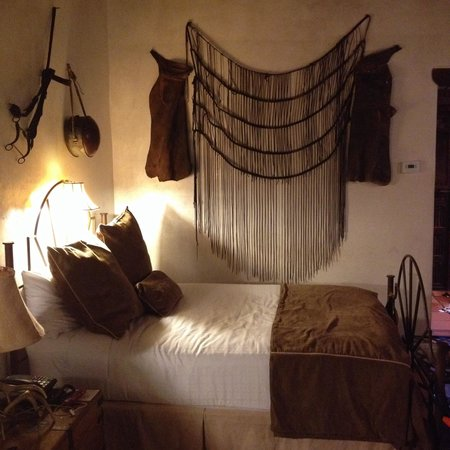 Gage Hotel: One of the room in Los Portales