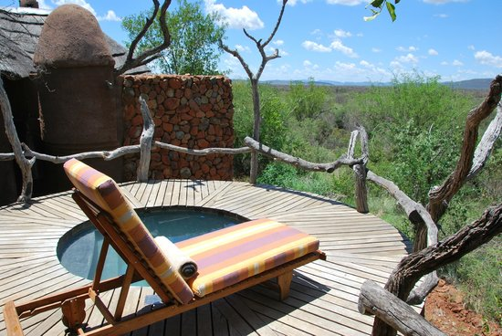 Madikwe Safari Lodge: Plunge pool and private deck