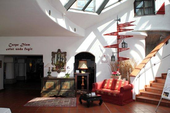 شلوس هوتل روزينج: Foyer