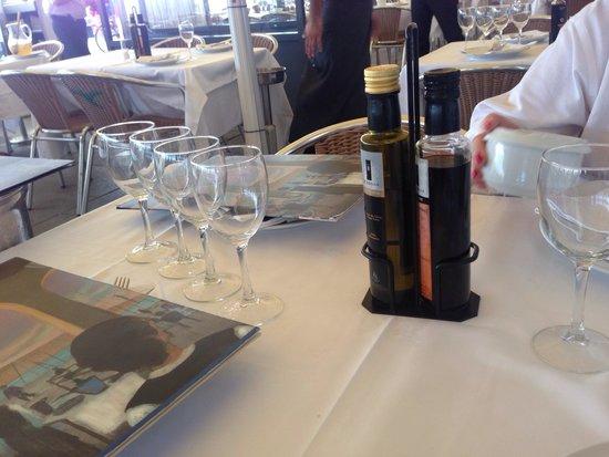 La Gavina: Table setting