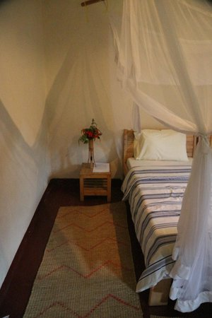 Gorilla Valley Lodge: view of the bed