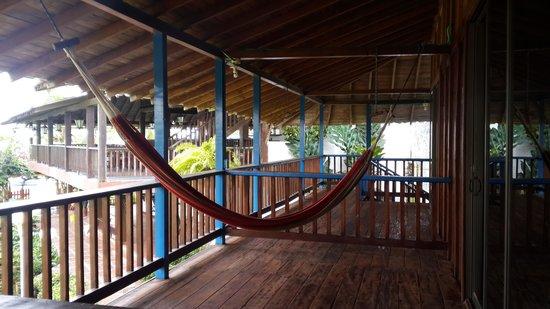 Playa de Oro Lodge : terrace & hammock