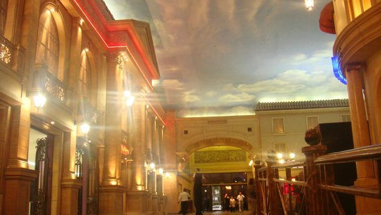 Peermont D'oreale Grande at Emperors Palace: Shopping
