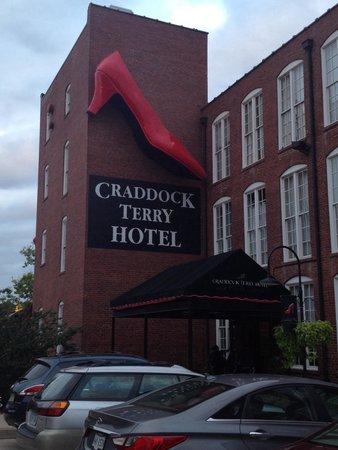Craddock Terry Hotel: Exterior