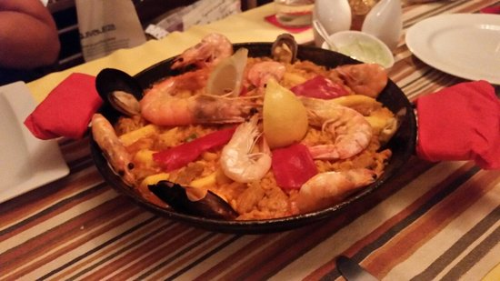 La Taberna: Una maestosa paella