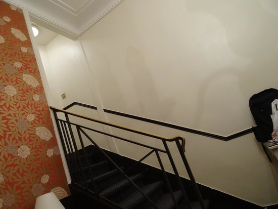 Normandy Hotel: Escadas no quarto