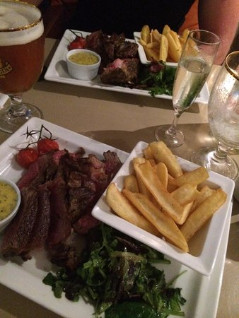 La Croisette: 1kg steak for 2! Asked for medium - well done but it came medium rare.