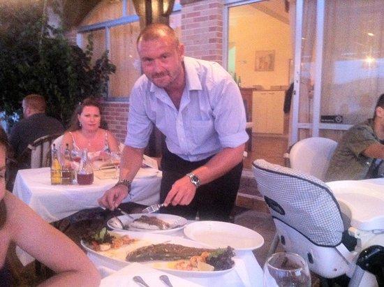 Lotus Eaters : Daniel filleting tableside