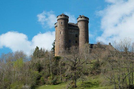 La Roussiere : Château d' Anjony, Tournemire: Back on the road to La Roussière