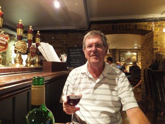 St. George's Tavern: dinner in basement restaurant