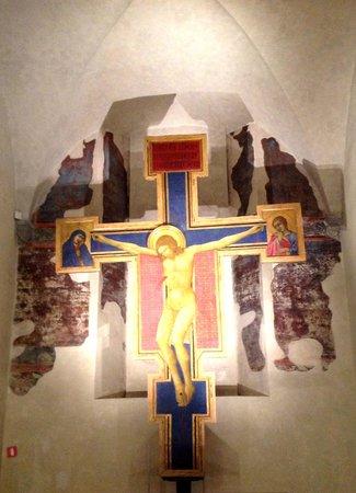 Museo dell'Opera di Santa Croce : Crucifix by Lippo di Benivieni early C14th