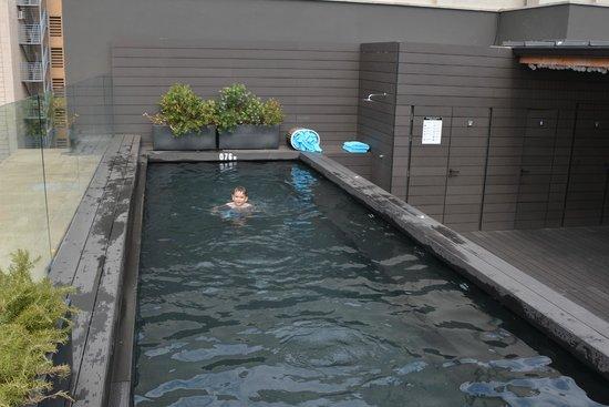 Gallery Hotel : rooftop pool