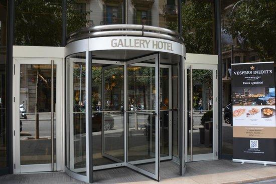 Gallery Hotel: Front Door