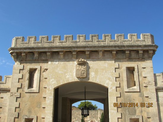 Cap Rocat: entrance