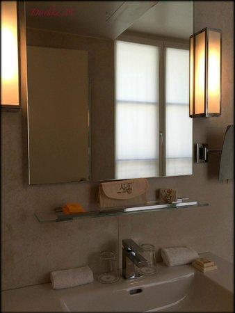 Neat bathrooms, Le Pradey, Paris.