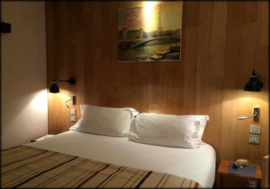 1st floor room, Le Pradey, Paris.