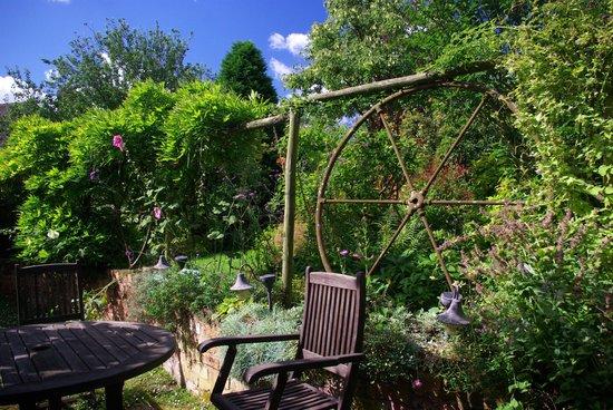 The Green Farm: romantic gardens