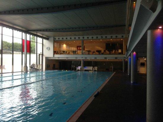 NH Collection Barcelona Tower : La piscine du spa