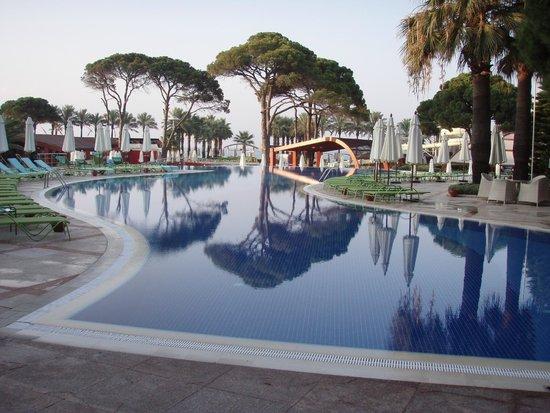 Cornelia De Luxe Resort : Pool