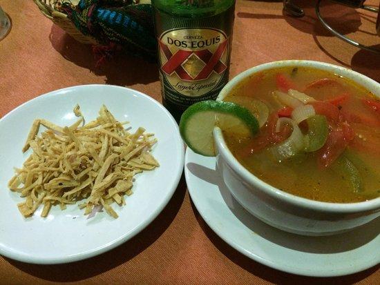 El Chile Habanero Restaurante : Sopa de Lima.  Plato típico yucateco mega exquisito. mmmmmm!