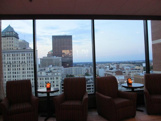 Crowne Plaza Dayton: Could have stayed for hours