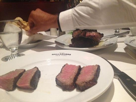 Gallagher's Steak House : porterhouse