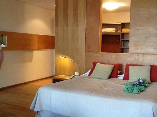 Design Suites Bariloche: Cama matrimonial