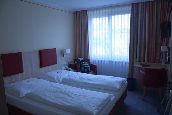 Tulip Inn Concorde Munich: Hotel room