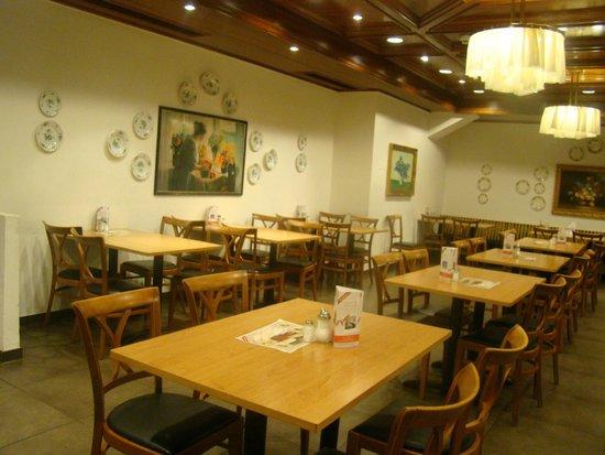 Rosenberger: Interior do restaurante