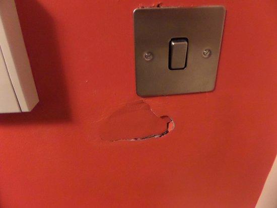 Park Inn by Radisson Belfast: non repaired damage