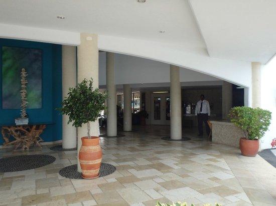 The Mill Resort & Suites Aruba : Lobby