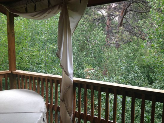 Dripping Springs Resort : Wind River deck