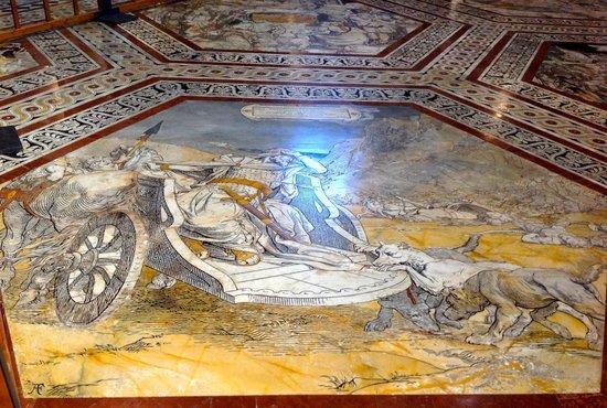 Cathédrale Notre-Dame-de-l'Assomption de Sienne : Another remarkable part of the marble floor