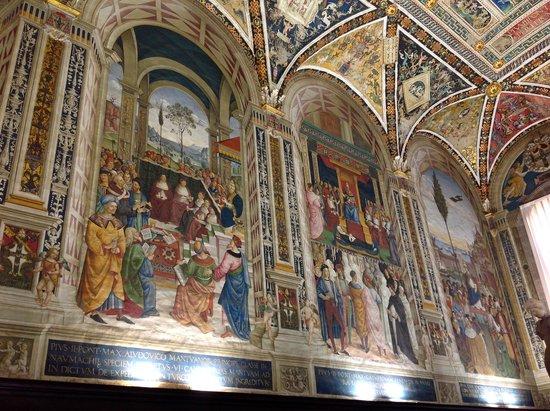 Cathédrale Notre-Dame-de-l'Assomption de Sienne : The frescoes in the Piccolomini Library