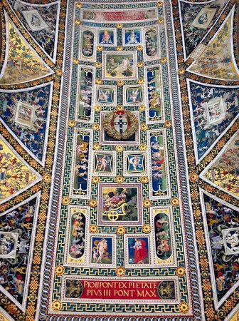 Dom von Siena: The painted ceiling of the Piccolomini Library