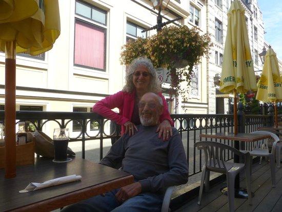 Garrick's Head Pub: Lunch on the deck