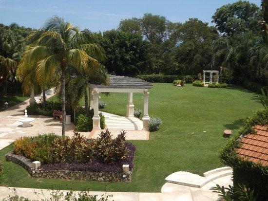 Sandals Ochi Beach Resort: Beautiful View from Polo Lounge