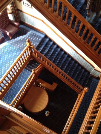 Legacy Hotel Victoria - Newquay: Huge staircase