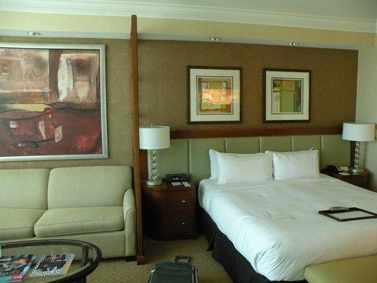 MGM Grand Hotel and Casino : Habitación matrimonial