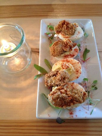 Fog Bar & Cafe: Deviled eggs with fried oysters