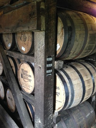 Heaven Hill Bourbon Heritage Center: Heaven Hill Distillary Tour