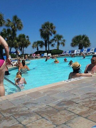 Coral Beach Resort & Suites: Pool