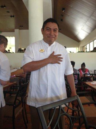Mesero en Cancún